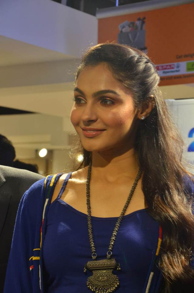 andrea_jeremiah_launches_200th_max_fashion_20
