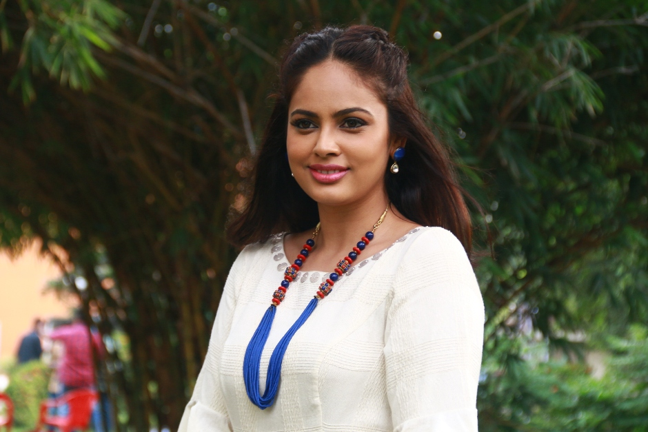 nandita_cute_latest_photoshoot_in_white_dress13