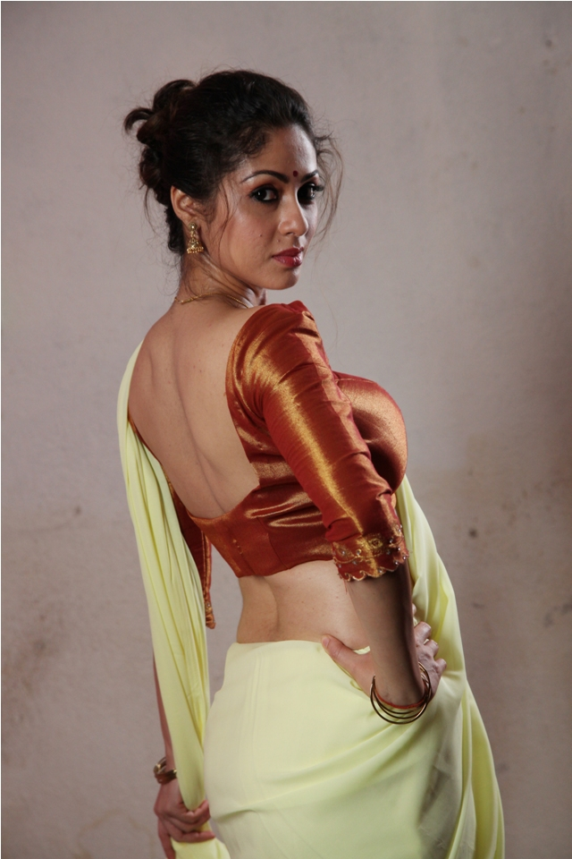 sadha_hot_saree_torch_light_3