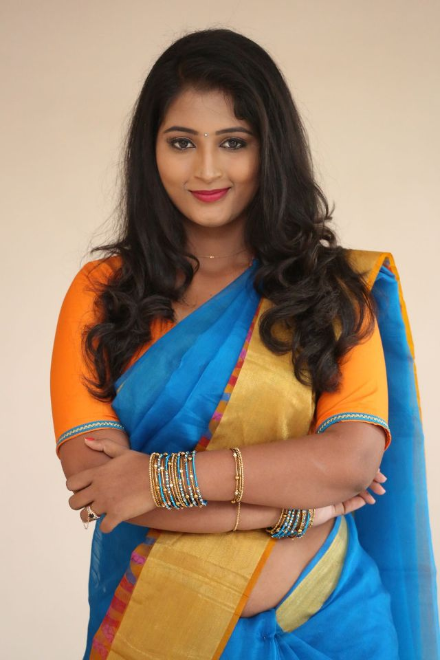 teja_reddy_hot_saree_stills_02