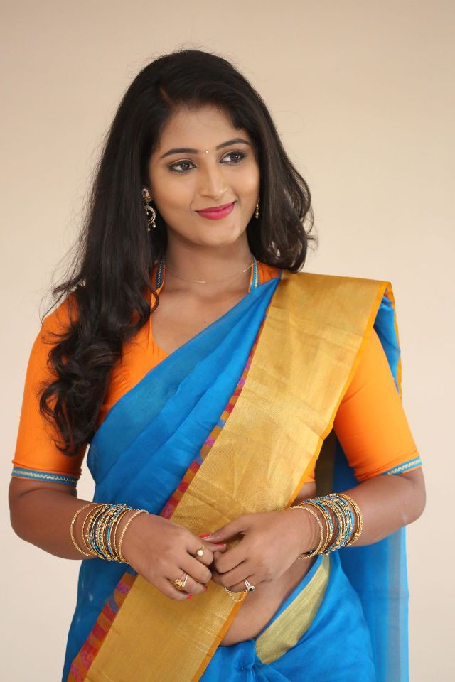 teja_reddy_hot_saree_stills_03