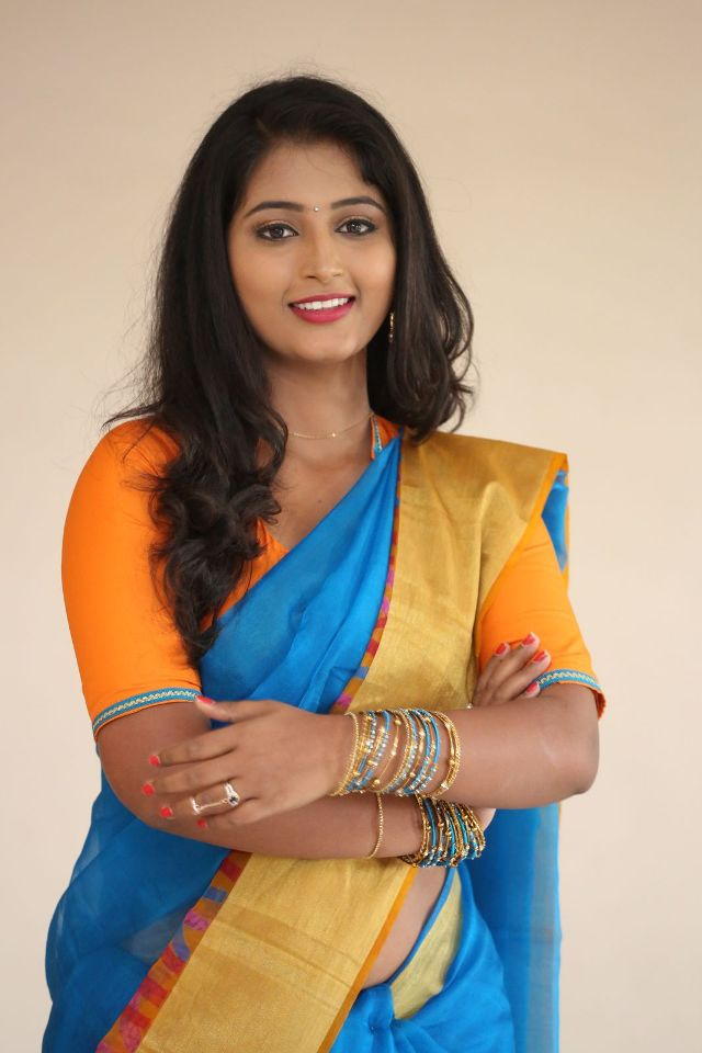 teja_reddy_hot_saree_stills_04