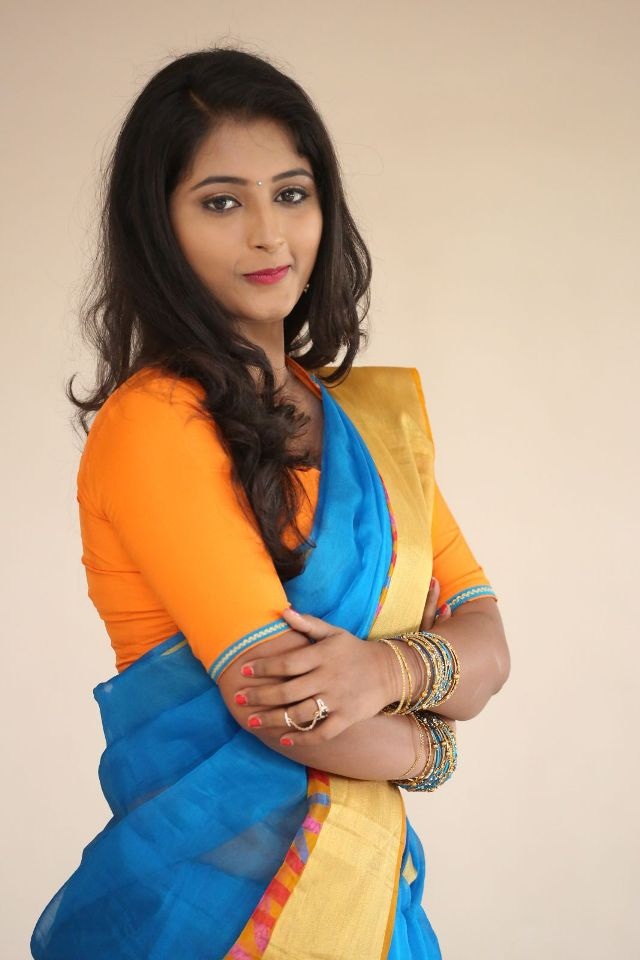 teja_reddy_hot_saree_stills_05