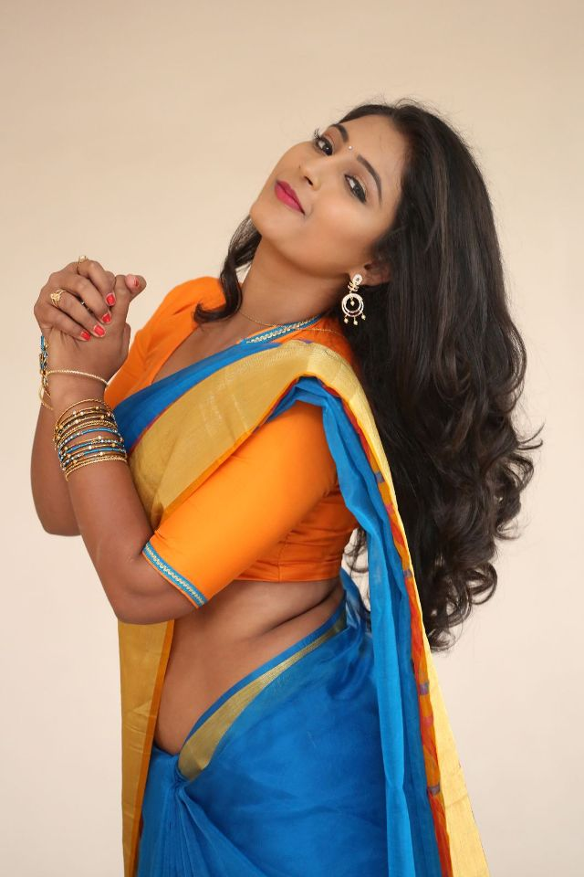 teja_reddy_hot_saree_stills_08