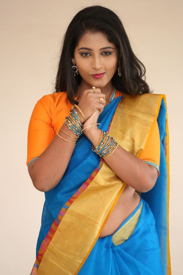 teja_reddy_hot_saree_stills_09