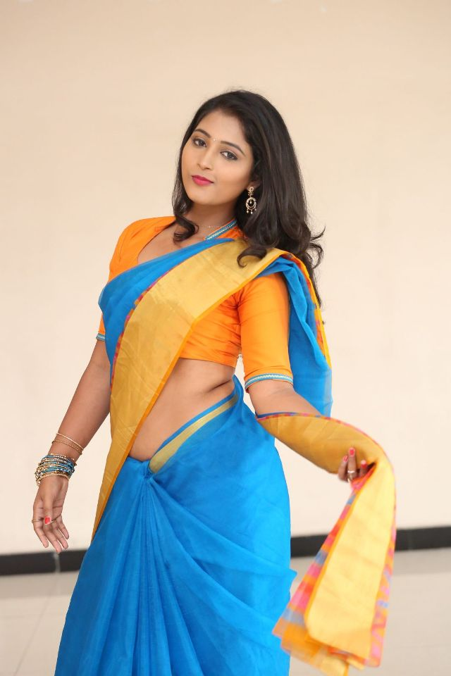 teja_reddy_hot_saree_stills_11