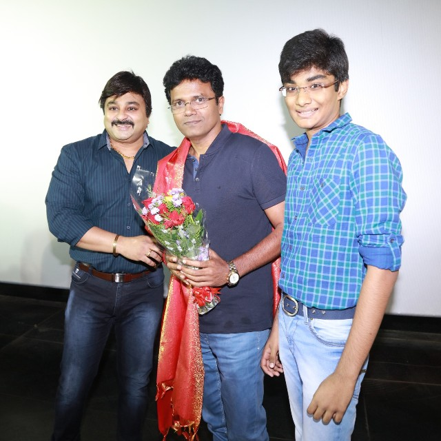 thiruttuppayale_2_success_celebration_with_audience_Kasi_theater_and_kamala_cinemas_18