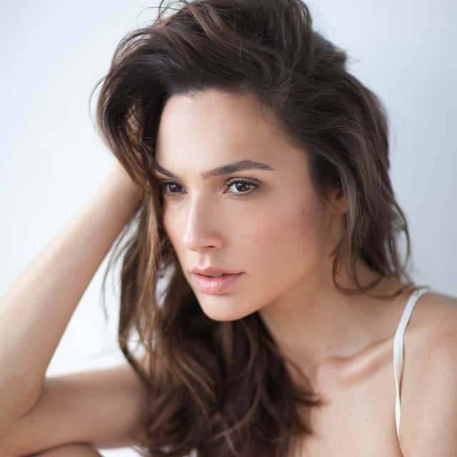 wondar_woman_gal_gadot_sexy_stills_08