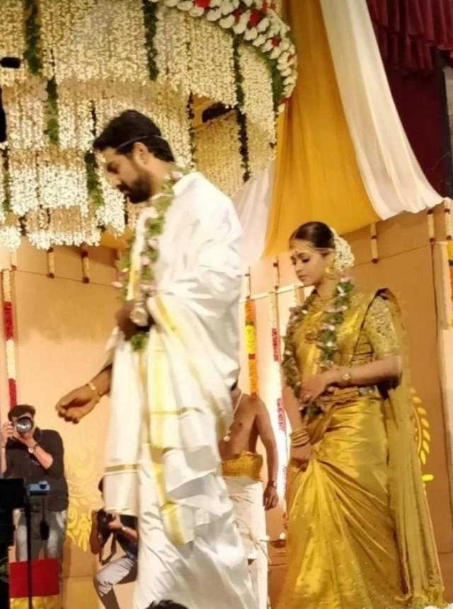 actress_bhavana_and_naveen_wedding_stills_photos_pictures_10
