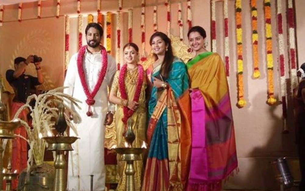 actress_bhavana_and_naveen_wedding_stills_photos_pictures_12