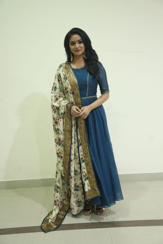 actress_keerthi_suresh_latest_photos08