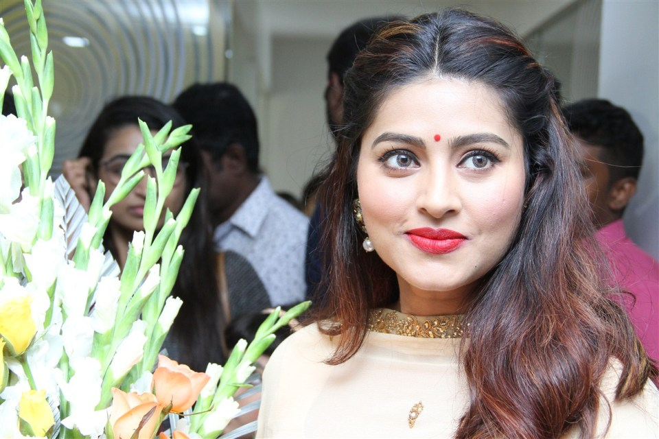 actress_sneha_opened_abc_clinic_03