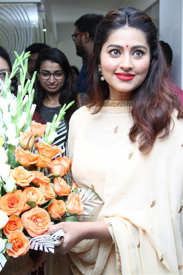 actress_sneha_opened_abc_clinic_04