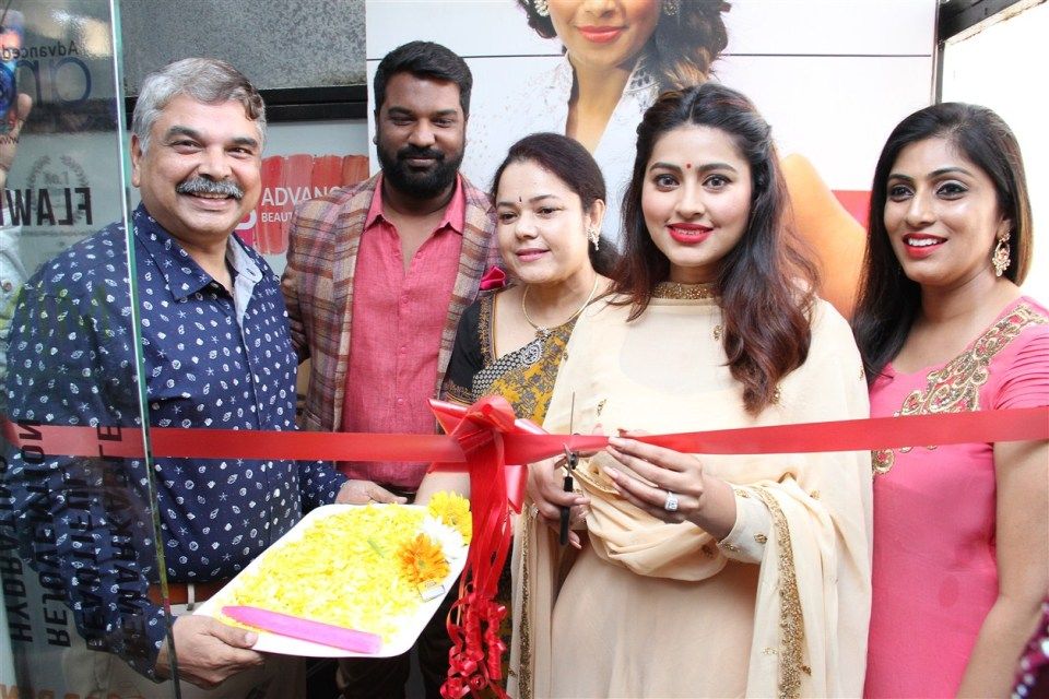 actress_sneha_opened_abc_clinic_07