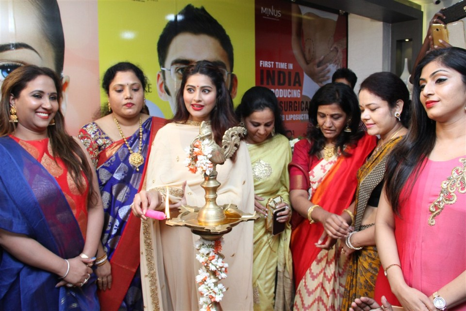 actress_sneha_opened_abc_clinic_11