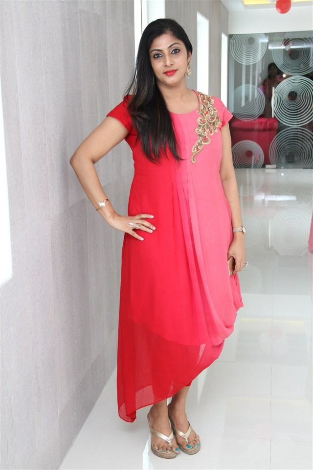 actress_sneha_opened_abc_clinic_20