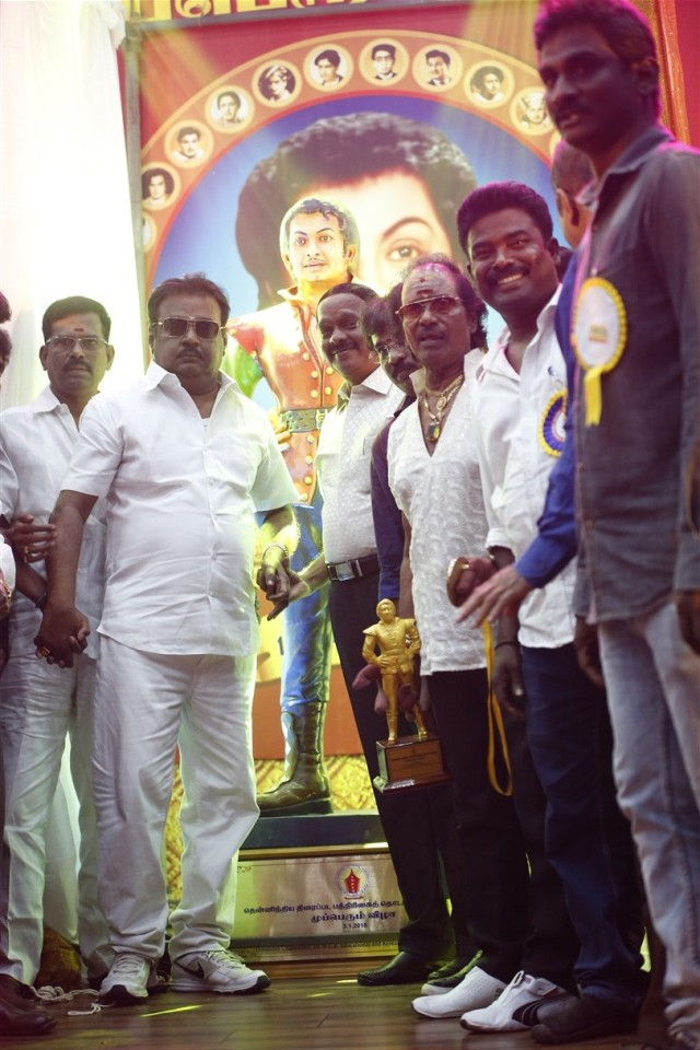 captain_vijaykanth_opened_MGR_stachu_02