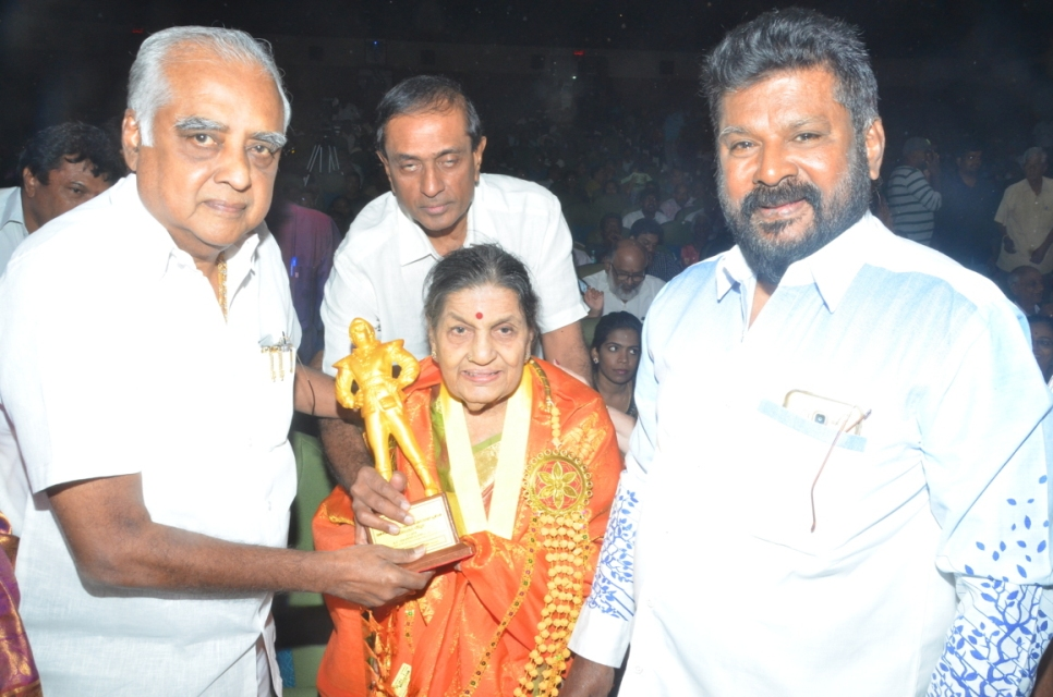 captain_vijaykanth_opened_MGR_stachu_05