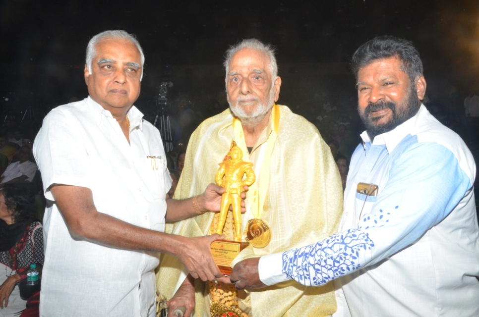 captain_vijaykanth_opened_MGR_stachu_07