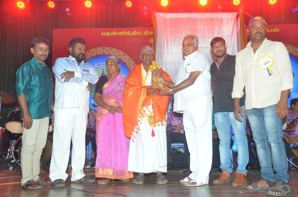 captain_vijaykanth_opened_MGR_stachu_10