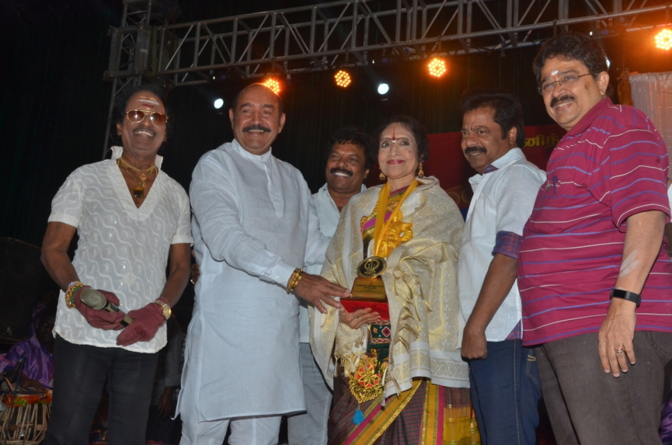 captain_vijaykanth_opened_MGR_stachu_19