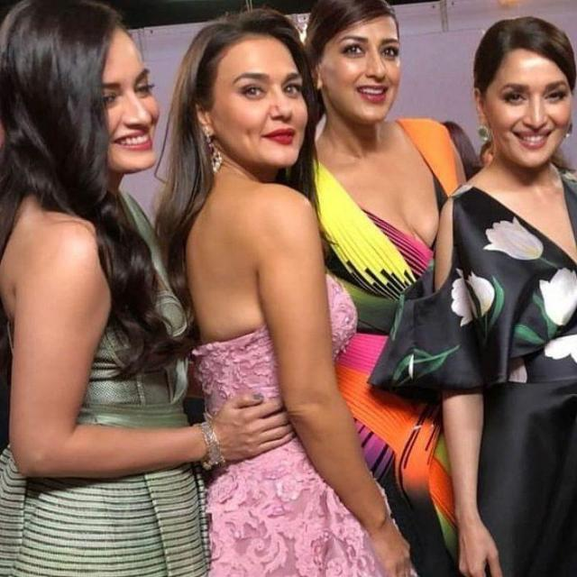 celebs-at-63rd-jio-filmfare-awards-2018-Photos_01