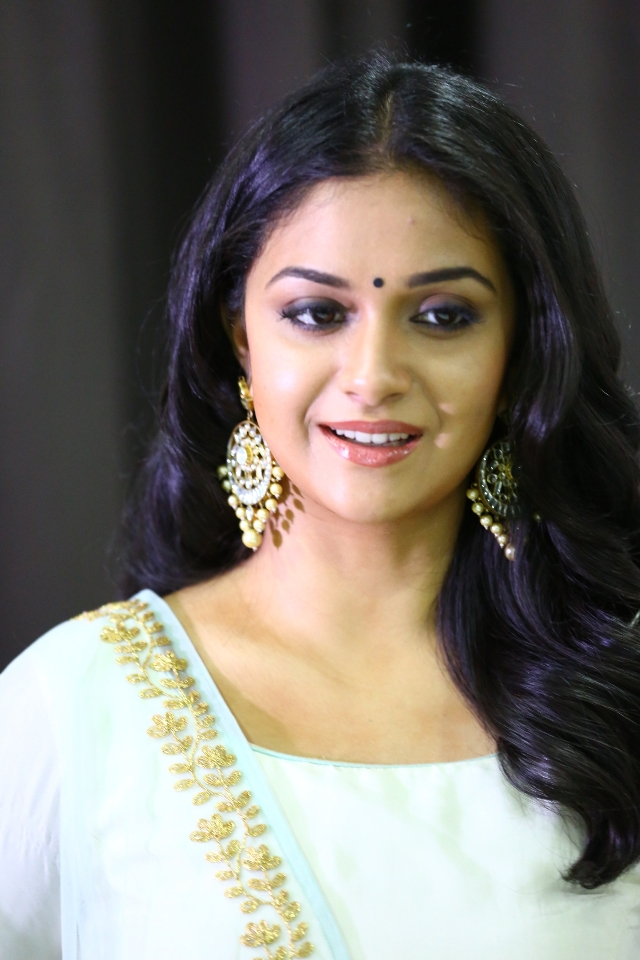 keerthi_suresh_latest_stills_chudi_02