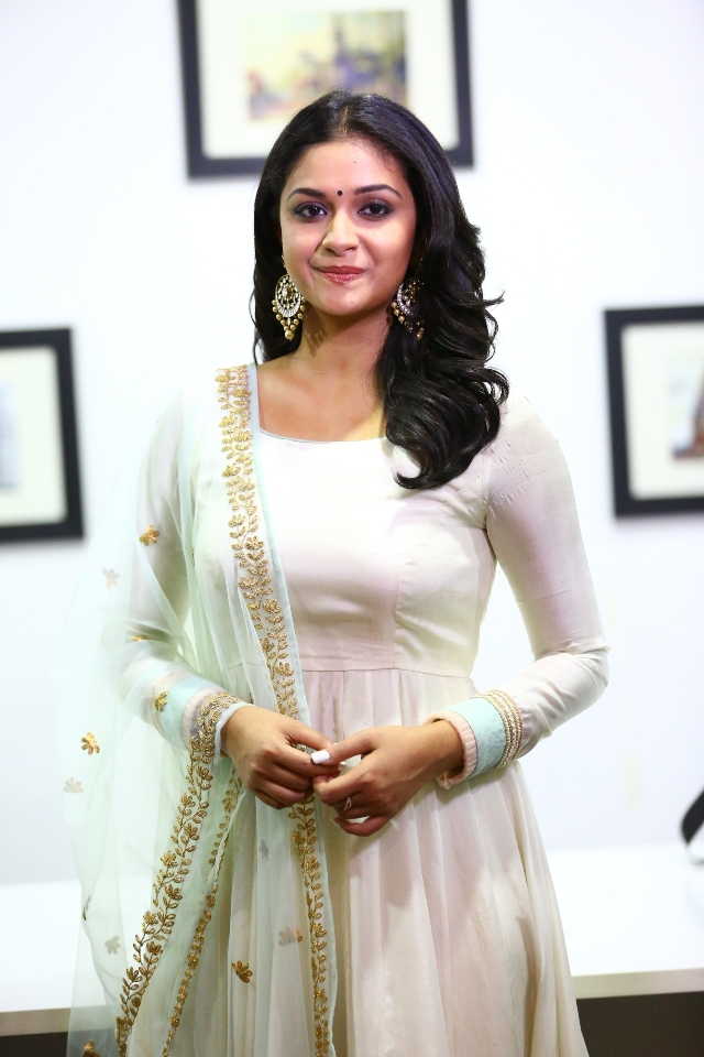 keerthi_suresh_latest_stills_chudi_03keerthi_suresh_latest_stills_chudi_03