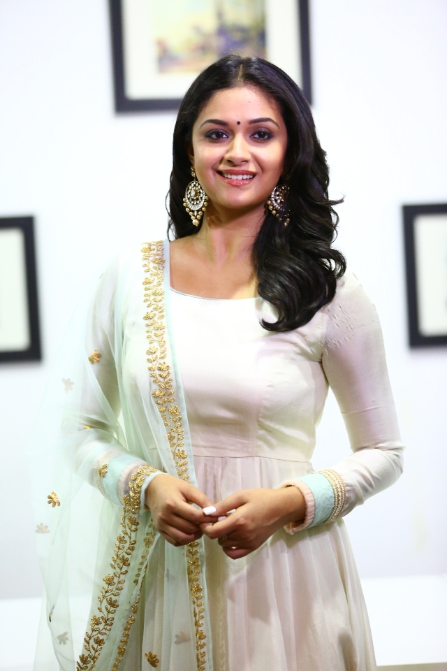 keerthi_suresh_latest_stills_chudi_04