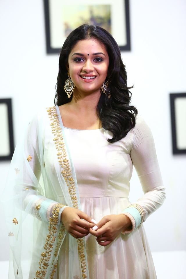 keerthi_suresh_latest_stills_chudi_05keerthi_suresh_latest_stills_chudi_05