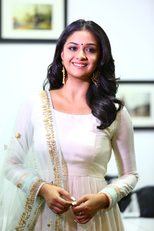 keerthi_suresh_latest_stills_chudi_06