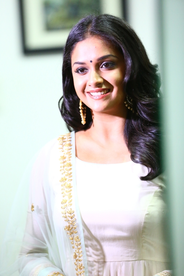 keerthi_suresh_latest_stills_chudi_07