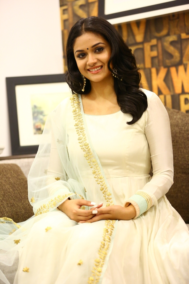 keerthi_suresh_latest_stills_chudi_10keerthi_suresh_latest_stills_chudi_10