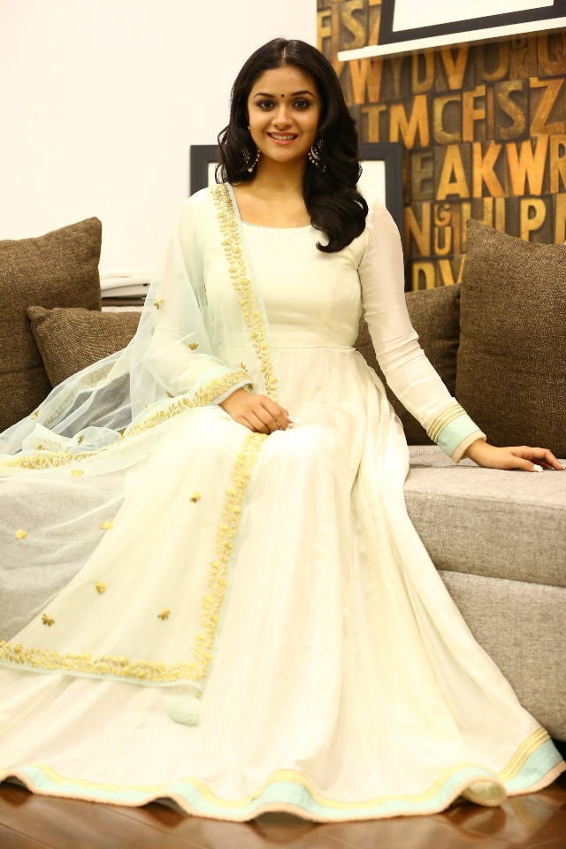 keerthi_suresh_latest_stills_chudi_11keerthi_suresh_latest_stills_chudi_11
