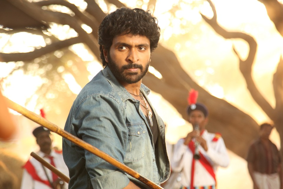 pakka_movie_stills_vikram_prabhu_3