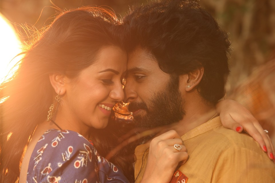 pakka_movie_stills_vikram_prabhu_nikkil_galrani_2