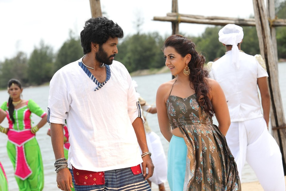 pakka_movie_stills_vikram_prabhu_nikkil_galrani_4