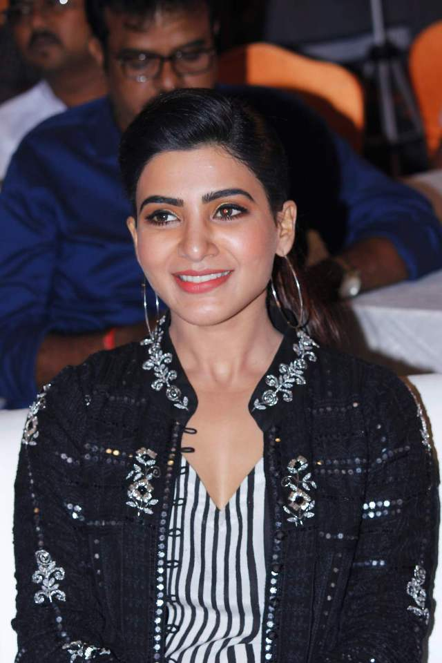 samantha_in_irumbhu_theerai_audio_launch_02samantha_in_irumbhu_theerai_audio_launch_02