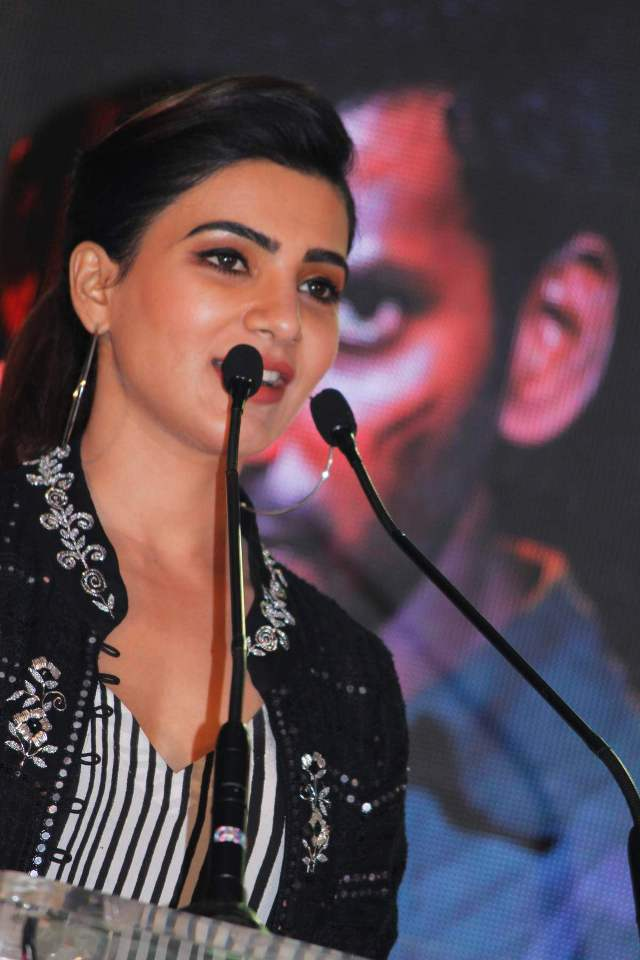 samantha_in_irumbhu_theerai_audio_launch_08samantha_in_irumbhu_theerai_audio_launch_08