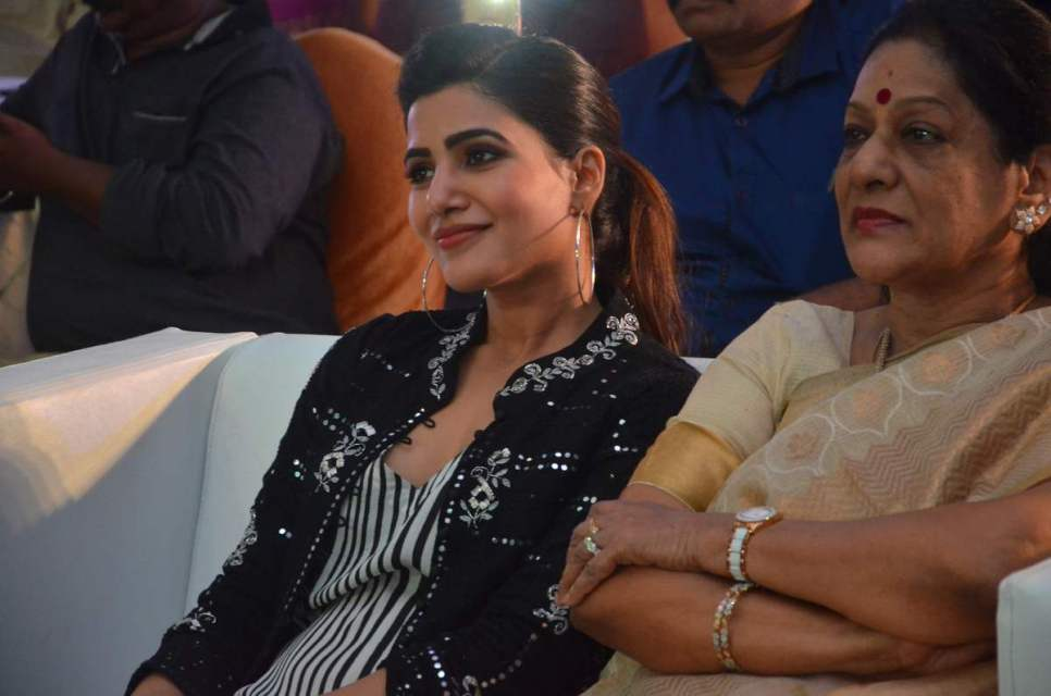 samantha_in_irumbhu_theerai_audio_launch_14