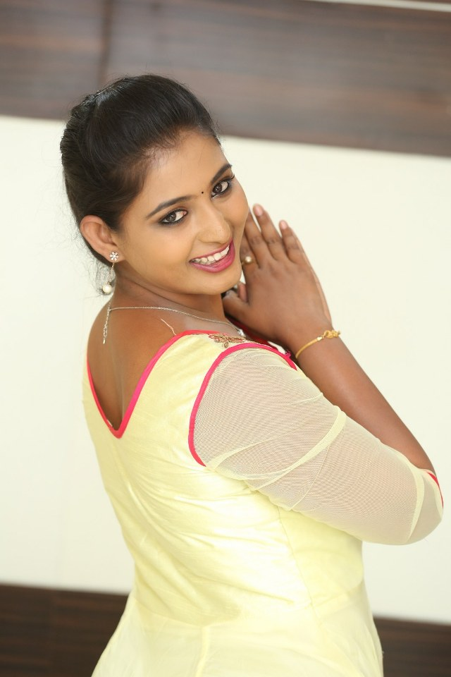 actress_teja_reddy_stills_03