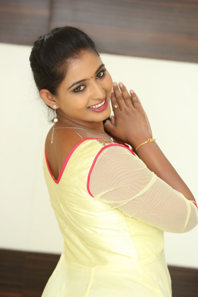 actress_teja_reddy_stills_04