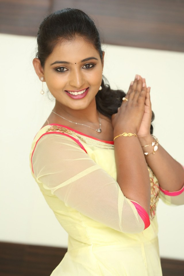actress_teja_reddy_stills_05