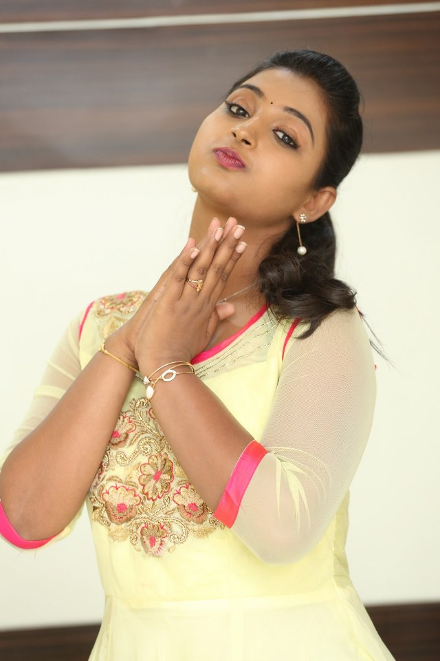 actress_teja_reddy_stills_07