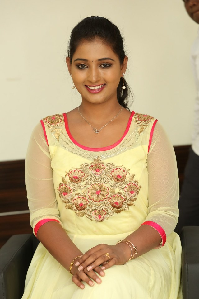 actress_teja_reddy_stills_12