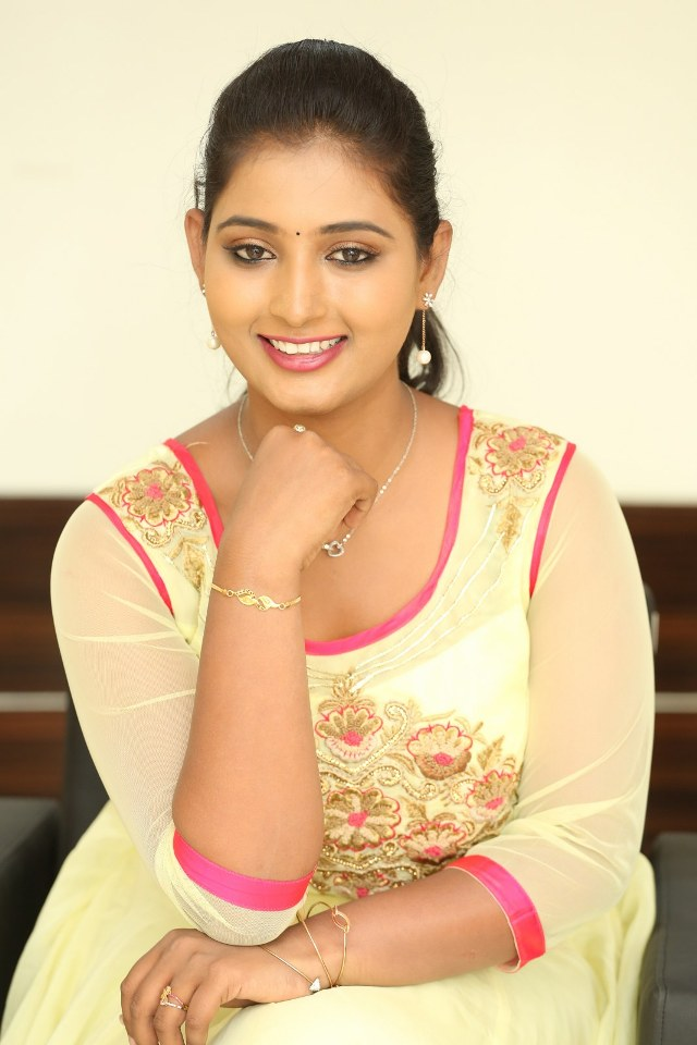 actress_teja_reddy_stills_14