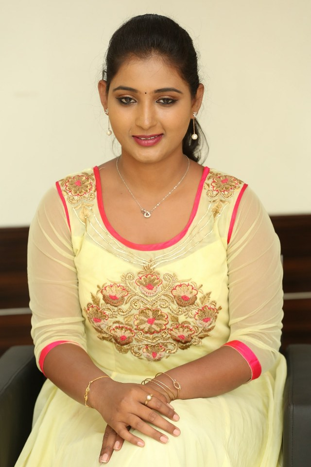 actress_teja_reddy_stills_15