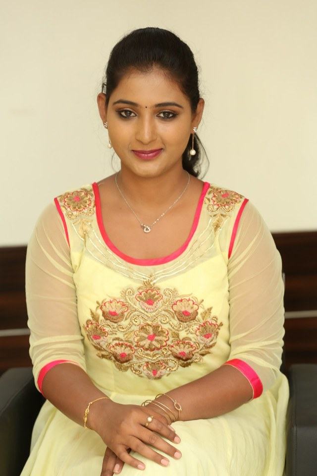 actress_teja_reddy_stills_16
