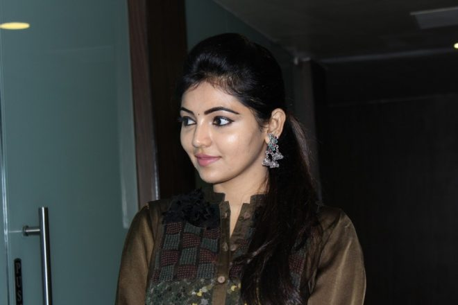 adhulya_latest_stills_2