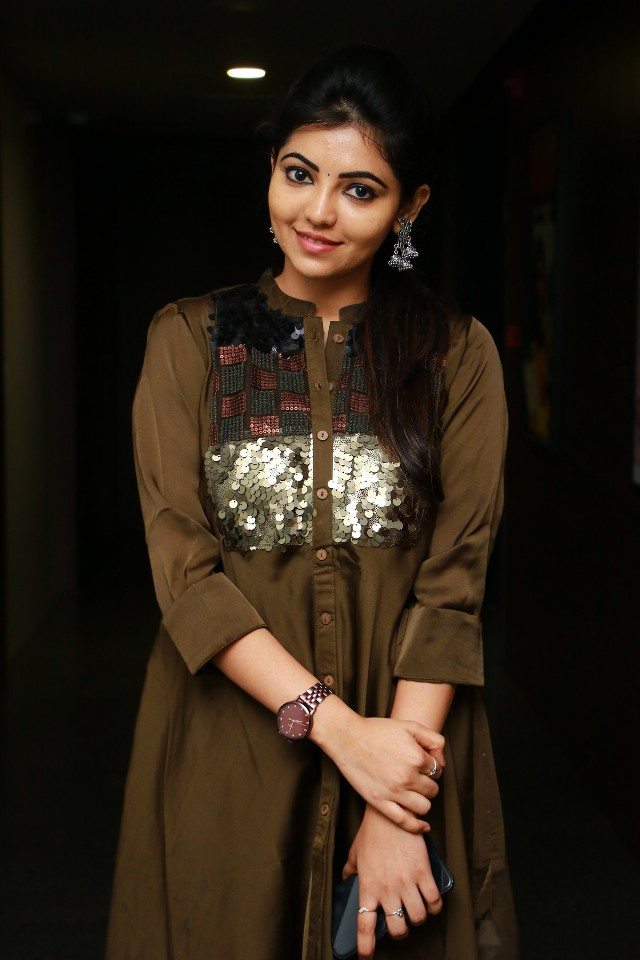 adhulya_latest_stills_6